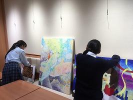 美術部が立川相互病院「キッチンみどり」で展覧会を実施しています。